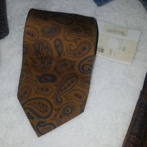 Brand New Robert Talbott mens tie